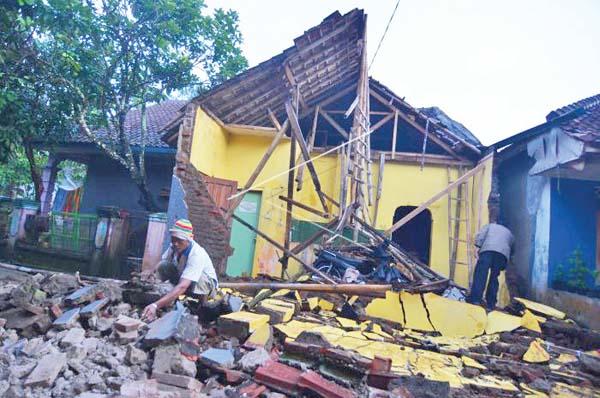 Pasca-Gempa-Tasikmalaya-161217-ADB-5