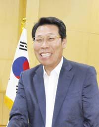 신만기/ 재인니한국신발협의회 회장