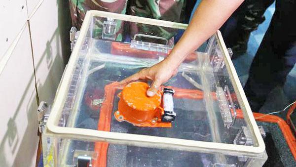 ▲ 자카르타 해상에서 회수된 라이온에어의 블랙박스. (로이터/국제뉴스)
