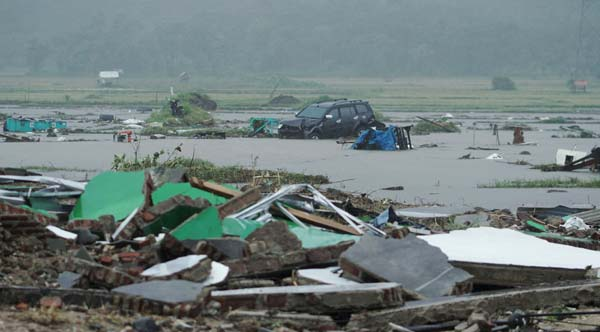 tsunami-anyer-indonesia--