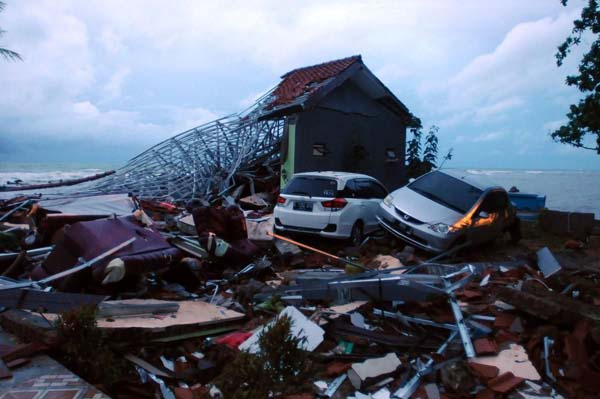 tsunami-anyer-indonesia