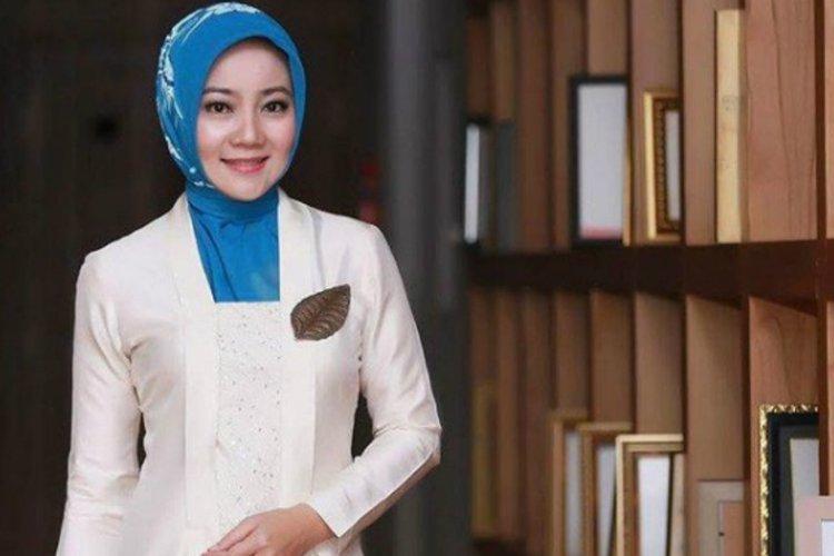 서부자와 주지사의 부인인 Athalia Ridwan Kamil여사