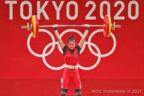 Windy Cantika Aisah는 여자 역도 49kg 동메달을 획득